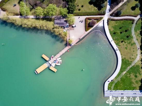 天鹅湖水绿如蓝 霸都可以当壁纸的高清图!