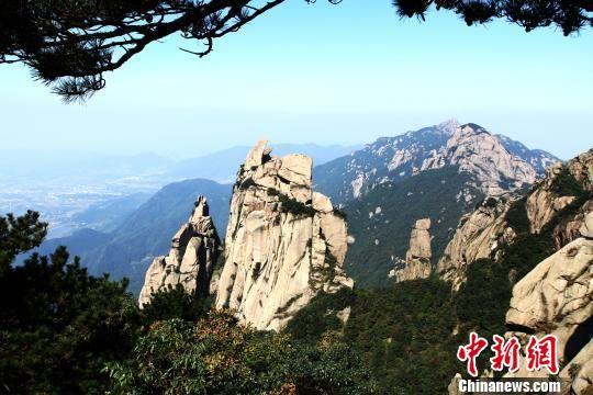 九华山风景区一景。 林启刚 摄