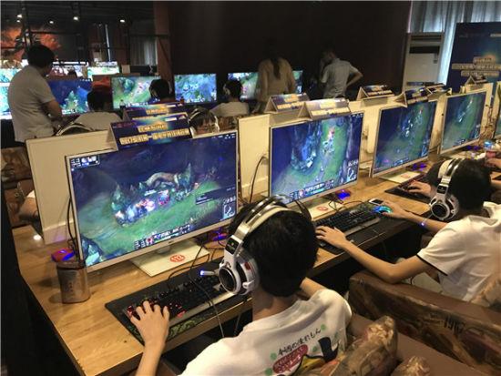 安徽省第一届电子竞技锦标赛城市赛即将开赛_金辉滑雪场在哪图片