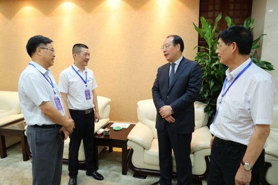 2018中国环境科学学会科学技术年会兴發娱乐省副省长周喜安会见与会代表