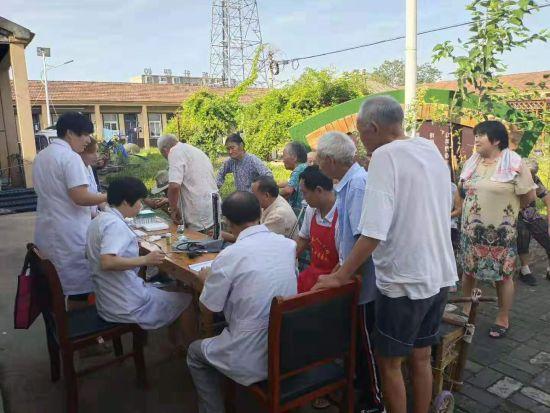安徽界首:健康素养村村讲