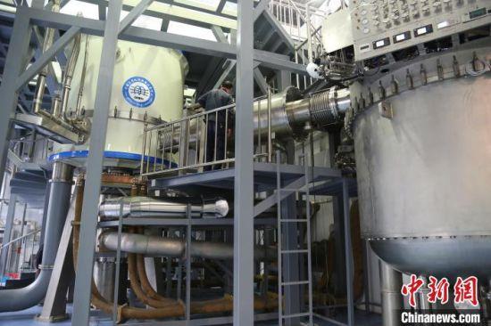 位于安徽合肥科学岛上的混合磁体装置。 吴兰 摄.jpg