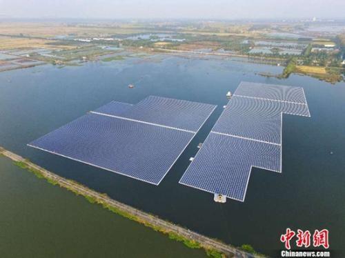 安徽淮南150兆瓦水面漂浮光伏项目并网发电