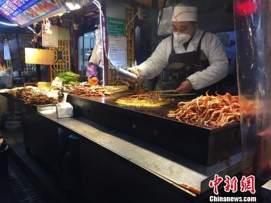 """安徽百年老街""""改版""""升级 美食街重拾热闹时光"""