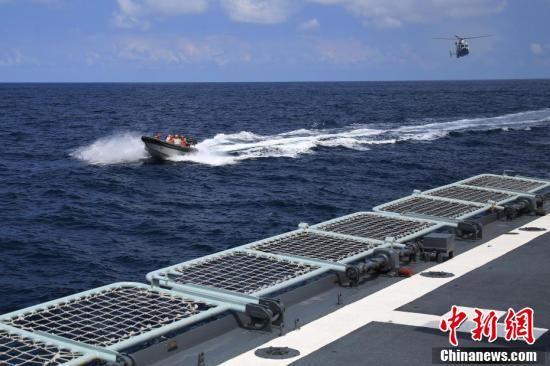 中国海军黄山舰抵达澳大利亚达尔文港参加多国海上联演