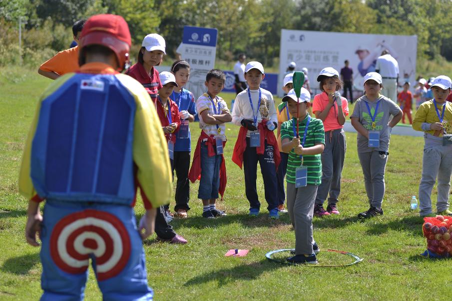 从兴趣开始,别克品牌携手冯珊珊打造高尔夫欢乐启蒙