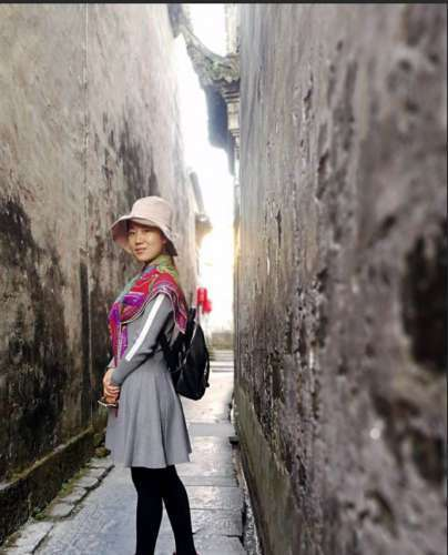 半亩秋山品牌创始人陈晨女士赴黄山地区考察养生野茶