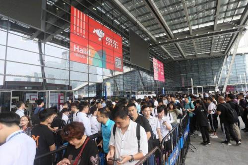 励展华博举办RHBVE深圳电子烟礼品展,转型升级走入大流通渠道